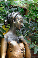 Detail of statue of Juliet, 1960s, by Nereo Constantini,  Juliet's House, Verona, Italy. The romantic bronze statue dedicated to the young girl stands in the inner courtyard of her supposed house. Shakespeare's play 'Romeo and Juliet' is based around two feuding 14th century Veronese families. Picture by Manuel Cohen.