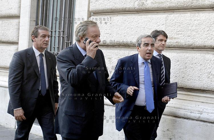 Roma, 30 Settembre 2013<br /> Parlamentari del PDL verso la riunione del gruppo a Montecitorio<br /> Nella foto Altero Matteoli e Maurizio Gasparri
