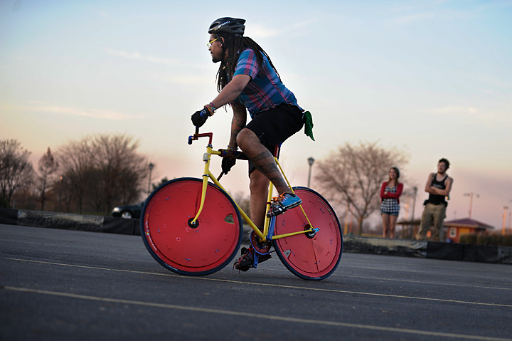 The Seventh Midwest Bike Polo Championships were held in Columbia, Missouri on November 6 &amp; 7, 2009, and is of date considered to be the second largest bike polo tournament to have ever been held.<br />