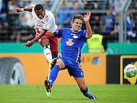 FUSSBALL   DFB POKAL   SAISON 2011/2012  1. Hauptrunde VfB Oldenburg - Hamburger SV                             30.07.2011 Dennis AOGO (li, Hamburg) gegen Fabian BURDENSKI (re, Oldenburg)