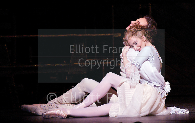 Manon <br />