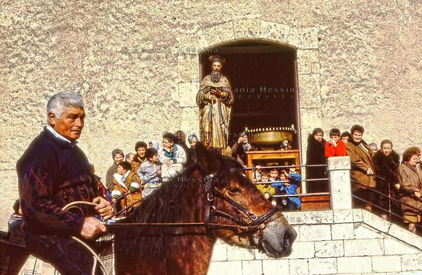 Palazzo Adriano, blessing of the horses according to the greek orthodox rite of the Albanian rural community in Sicily.<br /> Palazzo Adriano; benedizione dei cavalli con il rito greco ortodosso della comunita' contadina albanese in Sicilia.
