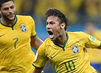 FUSSBALL WM 2014  VORRUNDE    Gruppe A    12.06.2014 Brasilien - Kroatien Neymar (Brasilien) bejubelt seinen Treffer zum 1:1