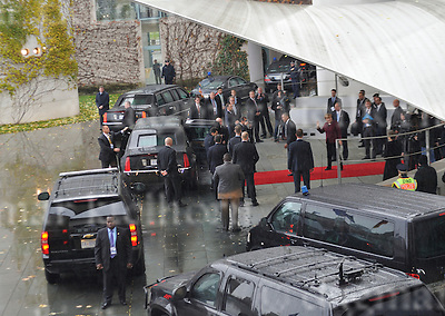 Nov.18-16 Chancellery,Berlin,Germany<br /> Outgoing US president, Barack Obama is<br /> leaving the German Chancellery , German Chancellor Angela Merkel waves goodbye.