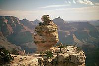 Grand Canyon National Park, Arizona, AZ, USA - View into Grand Canyon from South Rim
