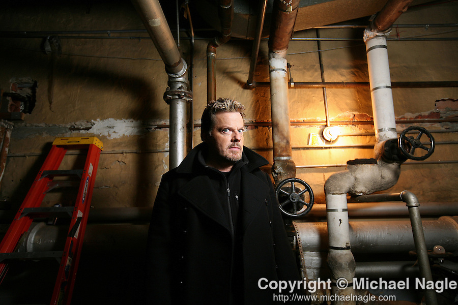 NEW YORK, NY -  MARCH 03, 2008:  Actor and comedian Eddie Izzard in the basement of the Union Square Theater before performing in his stand-up show on March 03, 2008 in New York City.  Izzard will be on The Riches, on the FX channel.  (Photograph by Michael Nagle)