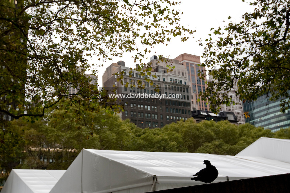 View of the Spring 2010 Fashion Week tent in Bryant Park in New York, USA, 16 September 2009.