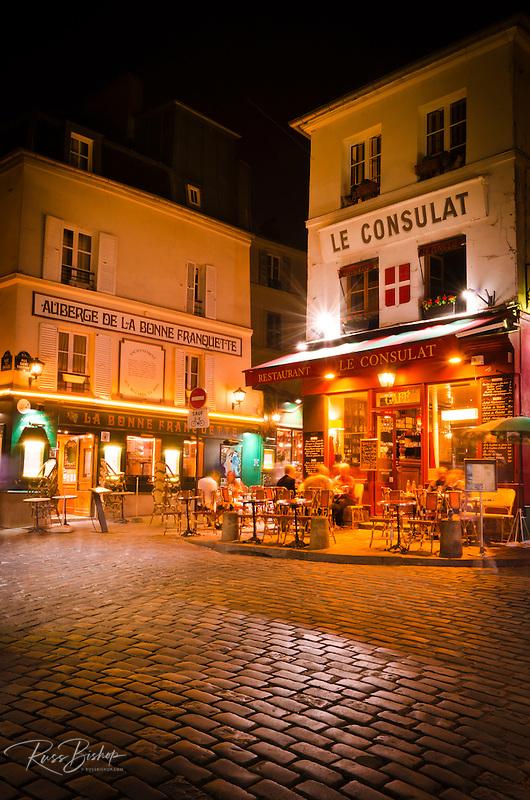 Le consulat restaurant montmartre paris france for Le miroir restaurant montmartre