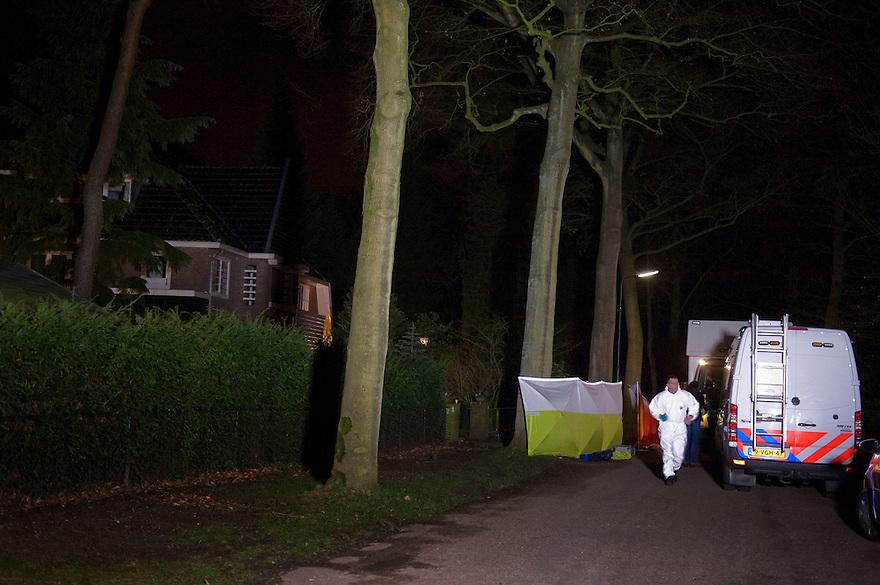 Nederland,Bilthoven, 10 feb 2014<br /> Els Borst , D66 coryfee,  is overleden. Omdat de omstandigheden waaronder zij gevonden is, verdacht waren, wordt politieonderzoek gedaan.
