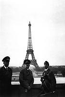 Der Fuhrer in Paris.  Hitler in Paris.  June 23, 1940.  Heinrich Hoffman Collection.  (Foreign Records Seized)<br /> NARA FILE #:  242-HLB-5073-20<br /> WAR &amp; CONFLICT BOOK #:  998