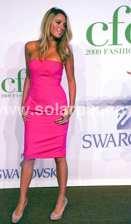 **ALL ROUND PICTURES FROM SOLARPIX.COM**.**SYNDICATION RIGHTS FOR UK, AUSTRALIA, DENMARK, PORTUGAL, S. AFRICA, SPAIN & DUBAI (U.A.E) ONLY**.arrivals at the 2009 CFDA Fashion Awards, Alice Tully Hall, Lincoln Center, New York City, NY, USA. 15 June 2009.This pic: Blake Lively..JOB REF: 9260 PHZ (Wild1)  DATE: 15_06_2009.**MUST CREDIT SOLARPIX.COM OR DOUBLE FEE WILL BE CHARGED**.**ONLINE USAGE FEE GBP 50.00 PER PICTURE - NOTIFICATION OF USAGE TO PHOTO @ SOLARPIX.COM**.**CALL SOLARPIX : +34 952 811 768 or LOW RATE FROM UK 0844 617 7637**