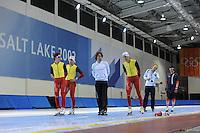 SCHAATSEN: SALT LAKE CITY: Utah Olympic Oval, 12-11-2013, Essent ISU World Cup, training, Maarten Swings (BEL), Wannes van Praet (BEL), Bart Veldkamp (trainer/coach Team Stressless), Bart Swings (BEL), Jelle Spruyt (trainer/coach Team Stressless), Ewen Fernandez (FRA), ©foto Martin de Jong