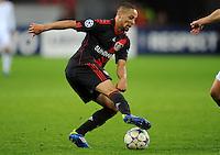FUSSBALL   CHAMPIONS LEAGUE   SAISON 2011/2012  Bayer 04 Leverkusen - FC Valencia           19.10.2011 Sidney SAM (Bayer 04 Leverkusen) Einzelaktion am Ball