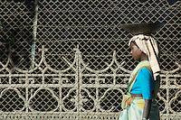 Hard labour for women in Mumbai, roadworks in central Mumbai, repairing the roads, India