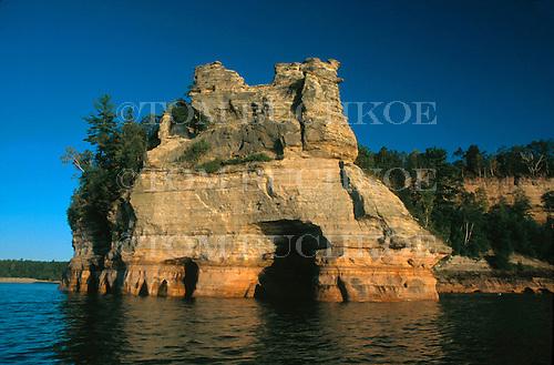3-26-536, Lover's Leap, shoreline, Lake Superior, Pictured Rocks, National Shoreline, Alger county, Michigan, Upper Peninsula, rock forrmation, limestone, water, Great Lakes, shore, marine,