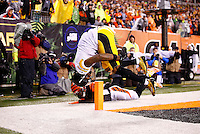 Martavis Bryant #10 of the Pittsburgh Steelers catches a touchdown pass in front of Dre Kirkpatrick #27 of the Cincinnati Bengals in the second half during the Wild Card playoff game at Paul Brown Stadium on January 9, 2016 in Cincinnati, Ohio. (Photo by Jared Wickerham/DKPittsburghSports)