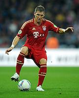 FUSSBALL   DFB POKAL   SAISON 2011/2012  1. Hauptrunde Eintracht Braunschweig - FC Bayern Muenchen   01.08.2011 Bastian SCHWEINSTEIGER (FC Bayern Muenchen) Einzelaktion am Ball