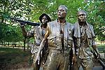 Mens Vietnam Memorial Statue