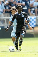 San Jose forward Simon Dawkins (10) in action... Sporting Kansas City defeated San Jose Earthquakes 2-1 at LIVESTRONG Sporting Park, Kansas City, Kansas.