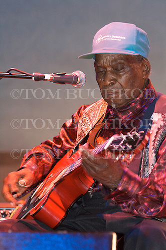 """David """"Honeyboy"""" Edwards plays the blues at Bamfest  in Belleville Wisconsin on July 13, 2007 just south of Madison"""