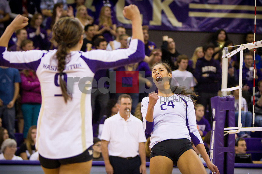 Kylin Muñoz, UW Volleyball vs. Cal. Photo by Rob Sumner / Red Box Pictures.