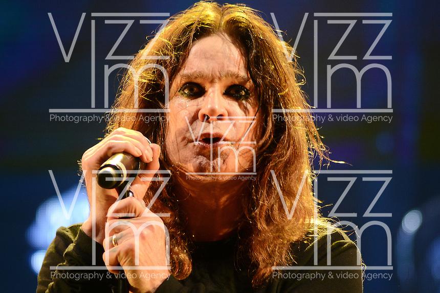 BOGOTA &ndash; COLOMBIA, 19-10-2013: Ozzy Osbourne, durante presentaci&oacute;n de la banda brit&aacute;nica Black Sabbath en el parque Simon Bolivar, octubre 19 de 2013. Black Sabbath se presento por primera vez en Colombia en su gira por suramerica. (Foto: / VizzorImage / Alejandra Mar/ Cont.) <br /> Ozzy Osbourne, during a concert of the british band Black Sabbath, in the Simon Bolivar Park, in Bogota, October 19, 2013. Black Sabbath was presented for the first time in Colombia on his tour in South America. (Photo: VizzorImage / Alejandra Mar / Cont.)