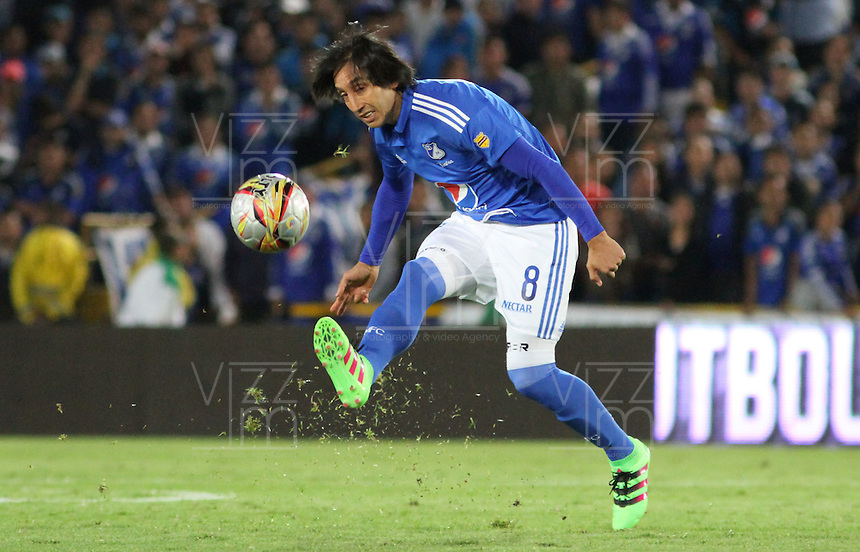 BOGOTÁ -COLOMBIA-28-02-2016.Rafael Robayo  de Millonarios en acciónl contra el Tolima durante partido por la fecha 7 de Liga Águila I 2016 jugado en el estadio Nemesio Camacho El Campin de Bogotá./ Rafael Robayo of Millonarios in actions against of Tolima during the match for the date 7 of the Aguila League I 2016 played at Nemesio Camacho El Campin stadium in Bogota. Photo: VizzorImage / Felipe Caicedo / Staff