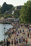 Richmond Upon Thames, Surrey, England 2007. Tourists the Thames Path.