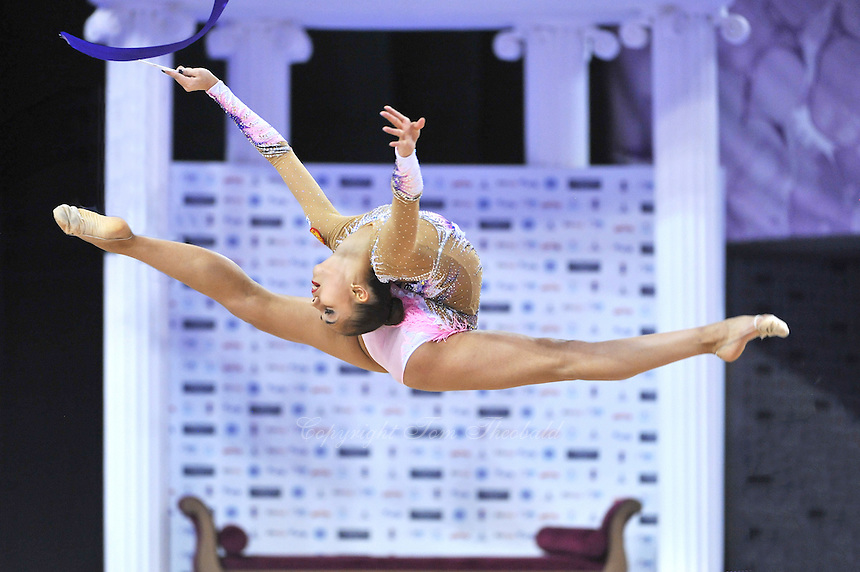 September 26, 2014 - Izmir, Turkey -  RITA MAMUN of Russia performs at 2014 World Championships.