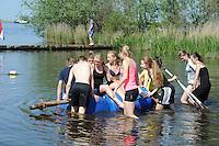 SCHAATSEN: LANGWEER: De Twirre Watersport, 17-05-2014, Schaatselectie Gewest Frysl&acirc;n KNSB, <br /> kick off van het seizoen 2014/2015,<br /> programma:<br /> Kick off en presentatie GTC&rsquo;s<br /> Survival/waterspelen sporters<br /> Ouders en bestuursleden sloepvaren<br /> Sponsor aan het woord<br /> tot slot BBQ,<br /> <br /> &copy;foto Martin de Jong