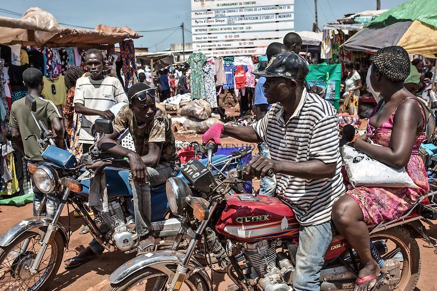 CAR, Bangui: Market in the muslim neighborhood of the PK5. 16 April 2016<br /> RCA, Bangui: March&eacute; dans le quartier musulman du PK 5. 16 avril 2016