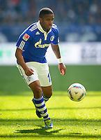 FUSSBALL   1. BUNDESLIGA   SAISON 2011/2012   29. SPIELTAG FC Schalke 04 - Hannover 96                                08.04.2012 Jefferson Farfan (FC Schalke 04) Einzelaktion am Ball