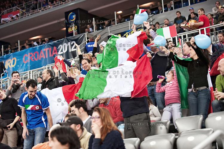 ZAGABRIA - CROAZIA 11/02/2012 - CALCIO A 5 EURO FUTSAL 2012. FINALE PER IL TERZO POSTO VINTA DALL'ITALIA SULLA CROAZIA PER 3 A 1. SUPPORTERS ITALIANI ARRIVATI IN CROAZIA FOTO DILORETO