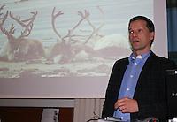 Rovdyrtap er et aktutt problem for mange i reindriften. Sametingets rovviltseminar ble arrangert for første gang i Stjørdal 10. og 11. november. Torkjel Tverå, Nina.