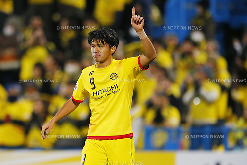 (L-R) Cristiano, Masato Kudo (Reysol), March 3, 2015 - Football / Soccer : Masato Kudo of Reysol celebrates after scoring team's first goal against Binh Duong during the 2015 AFC Champions League Group E match between Kashiwa Reysol 5-1 Binh Duong at Hitachi Kashiwa Stadium in Chiba, Japan. (Photo by Yusuke Nakanishi/AFLO SPORT) [1090]