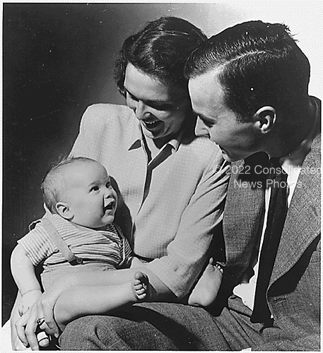 New Haven, Connecticut - Undated file photo -- George H. W. and Barbara Bush with their first born child George W. Bush, while Bush, Senior was a student at Yale, circa1947..Credit: White House via CNP.