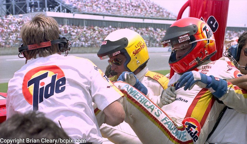 Greg Sacks, in yellow helmet, takes over for Jimmy Horton, who was overcome by fumes while driving in the Pepsi 400 at Daytona International Speedway, Daytona Beach, FL, July 7, 1990 (Photo by Brian Cleary/www.bcpix.com)