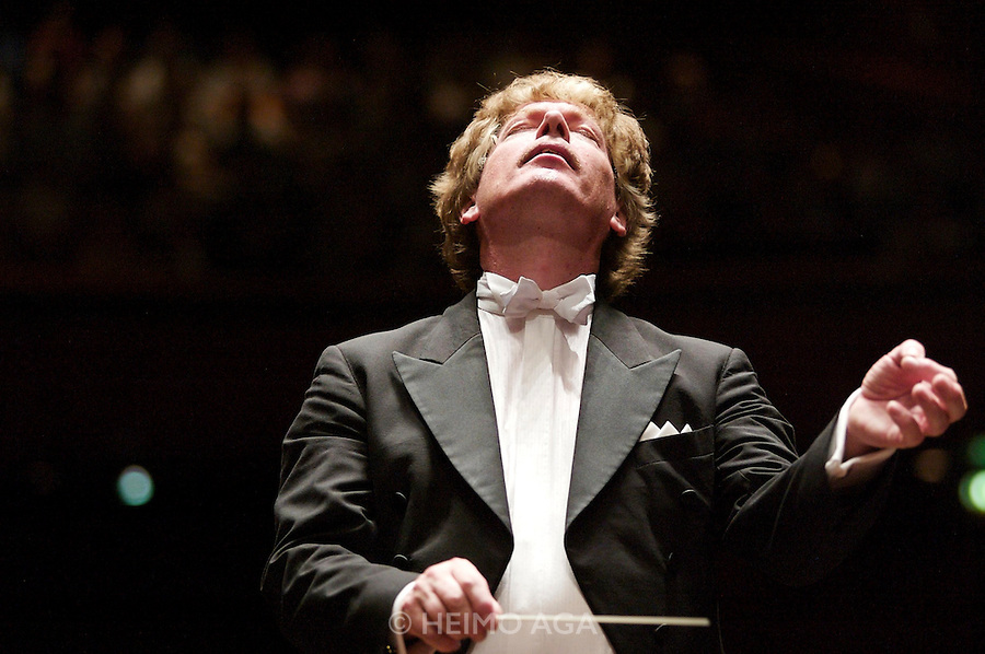 """Peter Jan Marthe? conducting the European Philharmonic Orchestra during the """"Kaisergala"""" concert at the Congress, Innsbruck."""