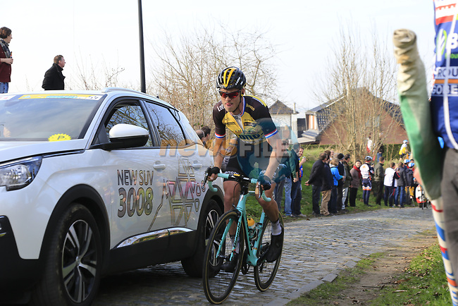 Lars Boom (NED) Lotto NL-Jumbo climbs Oude Kwaremont during the 60th edition of the Record Bank E3 Harelbeke 2017, Flanders, Belgium. 24th March 2017.<br /> Picture: Eoin Clarke | Cyclefile<br /> <br /> <br /> All photos usage must carry mandatory copyright credit (&copy; Cyclefile | Eoin Clarke)