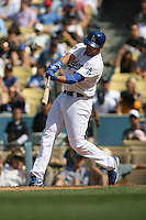 04/29/12 Los Angeles, CA: Los Angeles Dodgers first baseman James Loney #7 during an MLB game between the Washington Nationals and the Los Angeles Dodgers played at Dodger Stadium. The Dodgers defeated the Nationals 2-0.