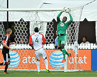Bill Hamid (28) of D.C. United goes up to make a save. Toronto FC tied D.C. United 1-1, at RFK Stadium, Saturday August 24 , 2013.