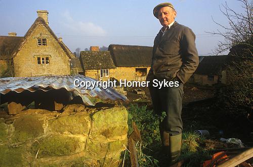 Great Tew Oxfordshire 1980s. Framers, Jim Tustian Leys Farm