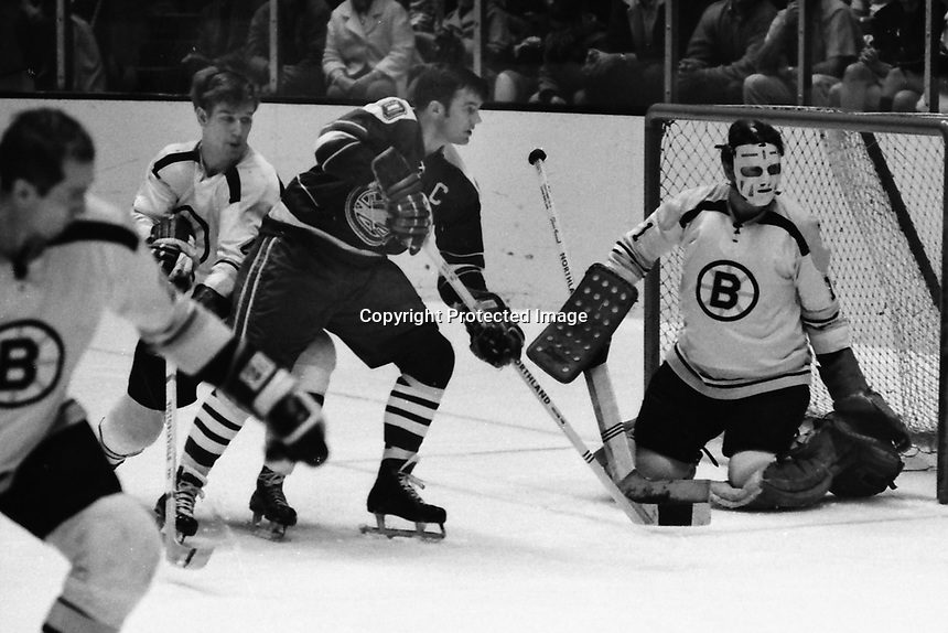 Boston Bruins vs California Golden Seals, NHL hockey.<br />
