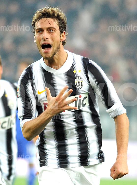 FUSSBALL INTERNATIONAL   SERIE A   SAISON 2011/2012    Juventus Turin - AC Cesena 04.12.2011 JUBEL Claudio Marchisio (Juventus Turin)