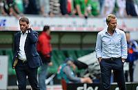 FUSSBALL   1. BUNDESLIGA   SAISON 2012/2013   2. Spieltag SV Werder Bremen - Hamburger SV                     01.09.2012         Frank Arnesen (li) und Trainer Thorsten Fink (v.l., beide Hamburger SV) sind nach dem Abpfiff enttaeuscht