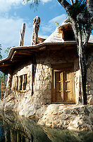One of the houses surrounded by a cenote. Photos for Jasai´s catalogue of the houses of Memo and the surrounding area