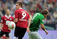 FUSSBALL   1. BUNDESLIGA   SAISON 2012/2013   3. SPIELTAG Hannover 96 - SV Werder Bremen     15.09.2012 Artur Sobiech (li, Hannover 96) gegen Clemens Fritz (re, SV Werder Bremen)