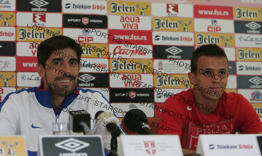 Fudbal Soccer<br /> Press conference prior the U19 European championship in Hungary<br /> Head coach Veljko Paunovic (L) and Nemanja Maksimovic<br /> Beograd, 07.15.2014<br /> foto: Srdjan Stevanovic/Starsportphoto &copy;