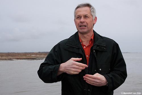 Toelichting door Henk de Vries, adjuncti-directeur van It Fryske Gea. Hij is formeel opdrachtgever van het project 'De zachte zandmotor' en eindverantwoordelijke voor het gehele project.