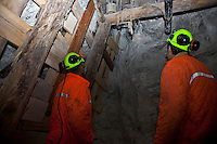 ITALIA Torino  Miniere di talco Val Chisone ITALIE Turin Mines de talc de la Val Chisone *** Local Caption *** Mineurs au travail Italy Turin talc mines